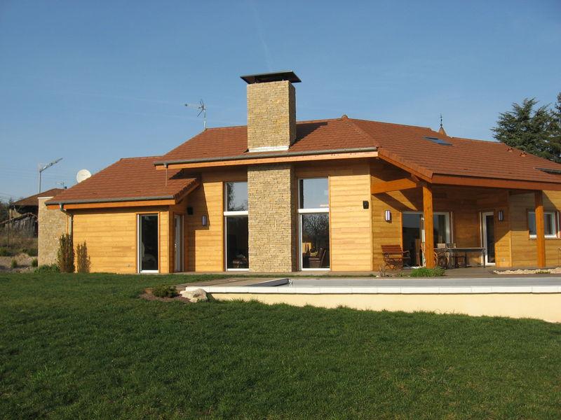Maison pierre et bois perfect maison moderne bois et - Maison neuve en bois ...